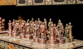 纪念品铁棋待售在老市场上 耶路撒冷 免版税图库摄影