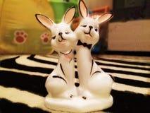 纪念品 两个野兔 免版税图库摄影