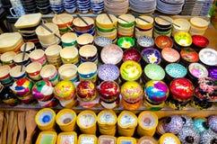 纪念品滚保龄球在暹粒夜市场,柬埔寨上 库存图片