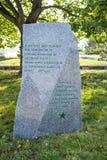 纪念布拉格世界语俱乐部的85年的纪念碑在布拉格,捷克 库存图片