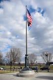 纪念的二战,在入口的美国国旗 华盛顿特区,美国 免版税库存照片