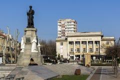 纪念碑下落在战争中在市的中心哈斯科沃,保加利亚 库存照片