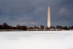 纪念碑冬天 库存照片