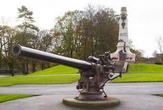 纪念碑和德国U救生艇甲板在曼格` s病区公园开枪在一个愚钝的早晨在唐郡北爱尔兰 免版税库存照片