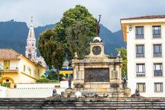 纪念碑和教会 免版税库存照片
