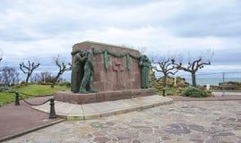 对下落的战士的纪念碑在战争中在比亚利兹 库存图片