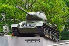纪念碑坦克T-34-85 加里宁格勒(以前Koenigsberg), Russi 库存照片