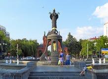 纪念碑对圣洁Martyress凯瑟琳夏日在克拉斯诺达尔 免版税库存图片