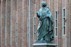 纪念碑尼古拉・哥白尼在托伦 免版税图库摄影
