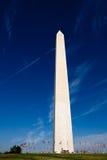 纪念碑抵销华盛顿 免版税库存照片