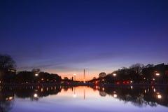 纪念碑日落华盛顿 免版税库存照片