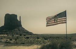 纪念碑犹他谷 那瓦伙族人的旗子 库存照片