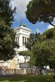 纪念碑的看法对胜者伊曼纽尔的II从论坛罗马,罗马 库存图片