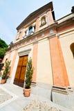 纪念碑老建筑学在意大利欧洲米兰和sunligh 免版税图库摄影