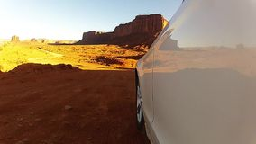 纪念碑谷,驱动通过沙漠峡谷在美国 股票录像