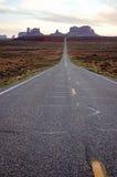 纪念碑谷,高速公路163,犹他,平衡阳光 免版税图库摄影