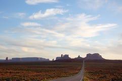 纪念碑谷,高速公路163,犹他,平衡阳光 库存照片