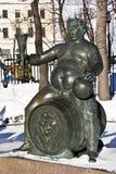 纪念碑`成人恶习`, Bolotnaya广场,莫斯科的儿童受害者 免版税库存照片