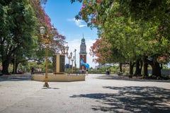 纪念钟塔或Torre de los Ingleses和圣马丁将军广场在Retiro -布宜诺斯艾利斯,阿根廷 库存照片