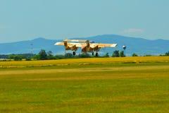 纪念Airshow 葡萄酒罗克韦尔OV-10野马光攻击机 图库摄影