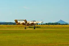 纪念Airshow 葡萄酒罗克韦尔OV-10野马光攻击机 免版税图库摄影