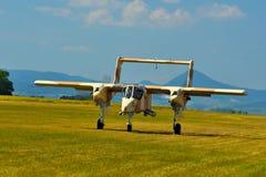 纪念Airshow 葡萄酒罗克韦尔OV-10野马光攻击机 库存照片