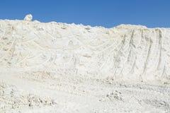 纯净的白色高岭石采矿  图库摄影