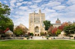 纯正的纪念图书馆在耶鲁大学校园里 库存图片