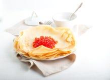 绉纱和鱼子酱 免版税图库摄影