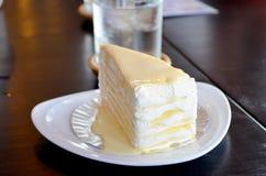 绉纱蛋糕 免版税库存图片
