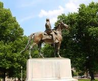 纳丹在战马上面的贝得福得Forrest,孟菲斯田纳西雕象  库存图片