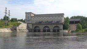 纳尔瓦水力发电站,天在威严的Ivangorod,俄罗斯 影视素材
