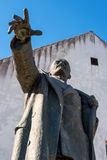 纳尔瓦,爱沙尼亚- 2017年3月16日:纪念碑的片段对列宁的 它位于纳尔瓦疆土  图库摄影