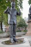 纳尔逊・曼德拉雕象 免版税库存照片