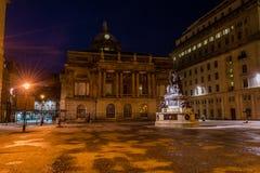 纳尔逊纪念碑和城镇厅在夜之前 库存图片