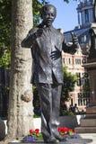 纳尔逊・曼德拉雕象在伦敦 库存图片