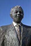 纳尔逊・曼德拉雕象 免版税库存图片
