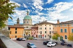 洛纳托德尔加尔达,意大利- 2016年9月19日:洛纳托德尔加尔达、一个镇和comune在省布雷西亚, i美丽的景色  免版税库存图片