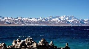 纳木错湖。中央西藏。 免版税库存照片