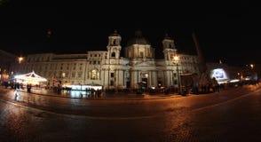 纳沃纳广场在晚上在罗马 免版税库存图片