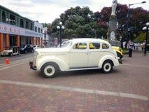纳皮尔,新西兰- 2014年12月-经典葡萄酒汽车在艺术装饰镇 免版税库存照片