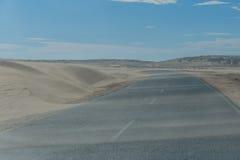 纳米比亚-向LÃ ¼ deritz的路 图库摄影