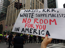 纳粹, KKK,白人至上主义者,您的没有室在美国, NYC, NY,美国 库存照片