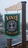 纳纳的爱尔兰客栈在Nye海滩 库存照片
