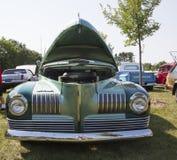1941年纳什Aqua Blue Car大使正面图 免版税库存照片