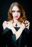 纵向吸血鬼妇女 免版税图库摄影