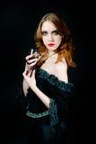 纵向吸血鬼妇女 免版税库存图片