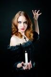 纵向吸血鬼妇女 免版税库存照片