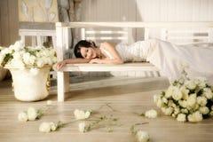 纵向婚礼妇女 免版税图库摄影