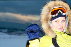 纵向滑雪者妇女 免版税库存照片